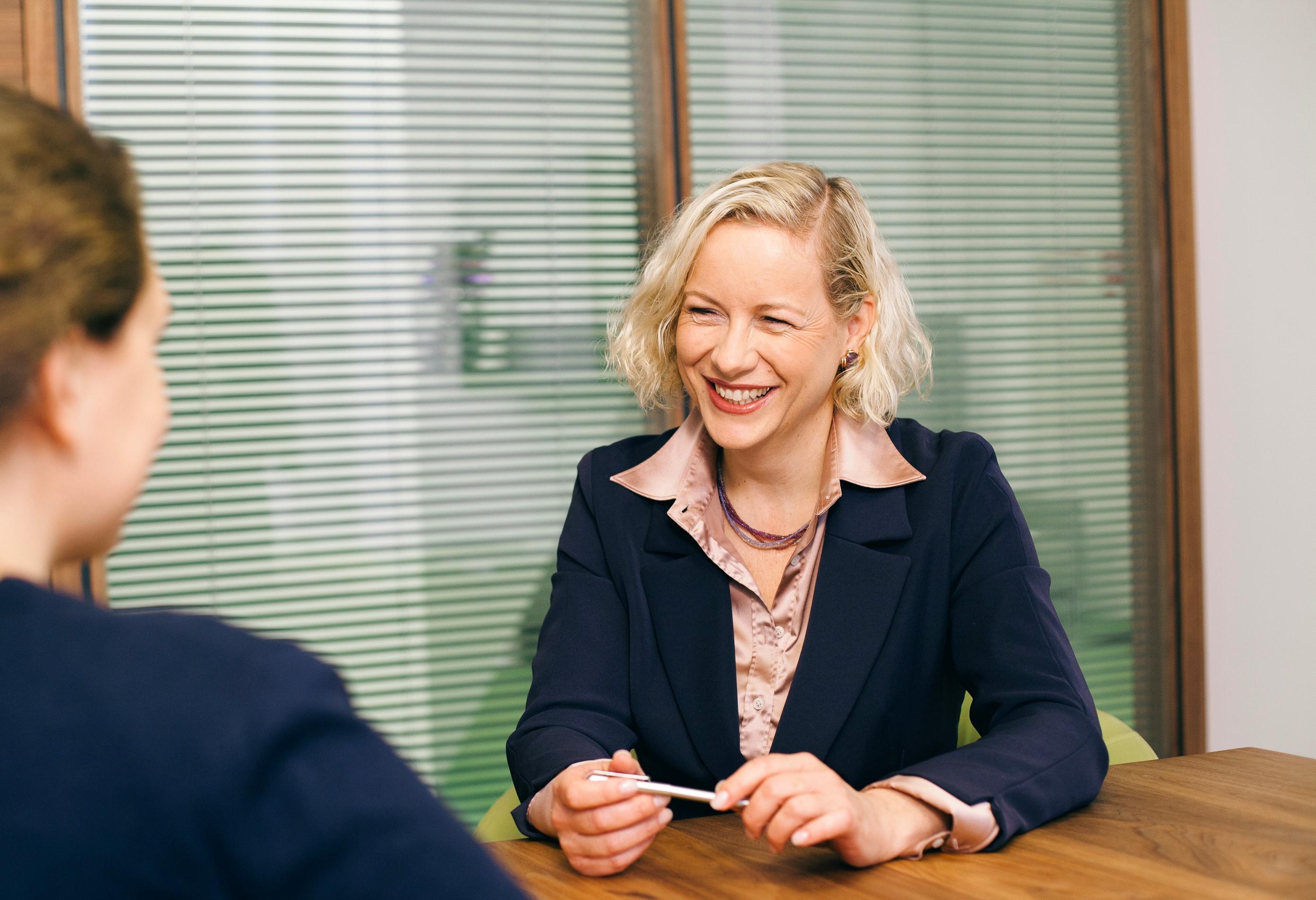 BILD - KWR erweitert das Service für seine Klienten mit IP-Spezialistin Barbara Kuchar als neuer Partnerin!